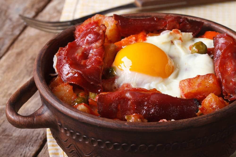 papas con chorizo breakfast food